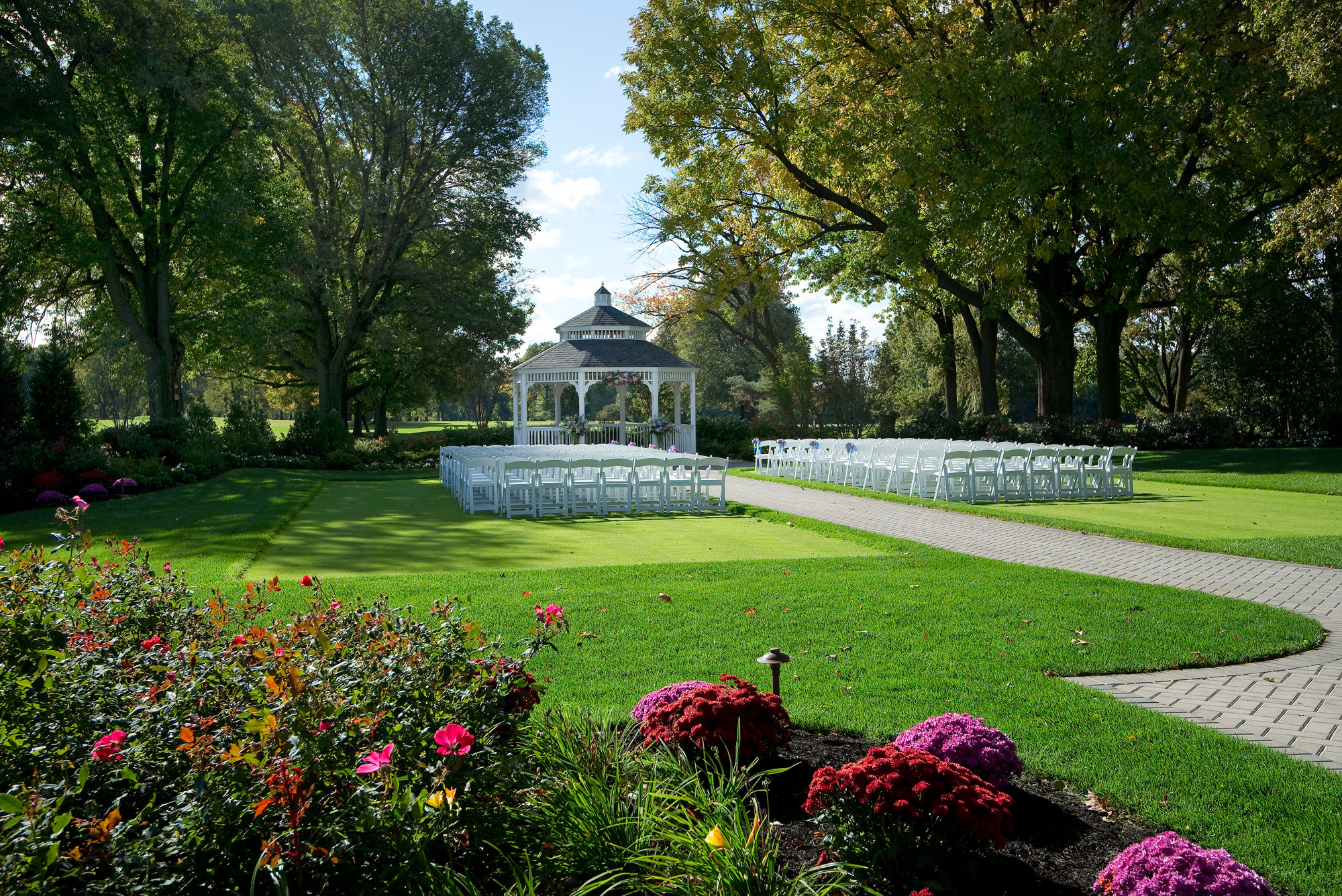 New york wedding locations country club receptions for Beach weddings in ny