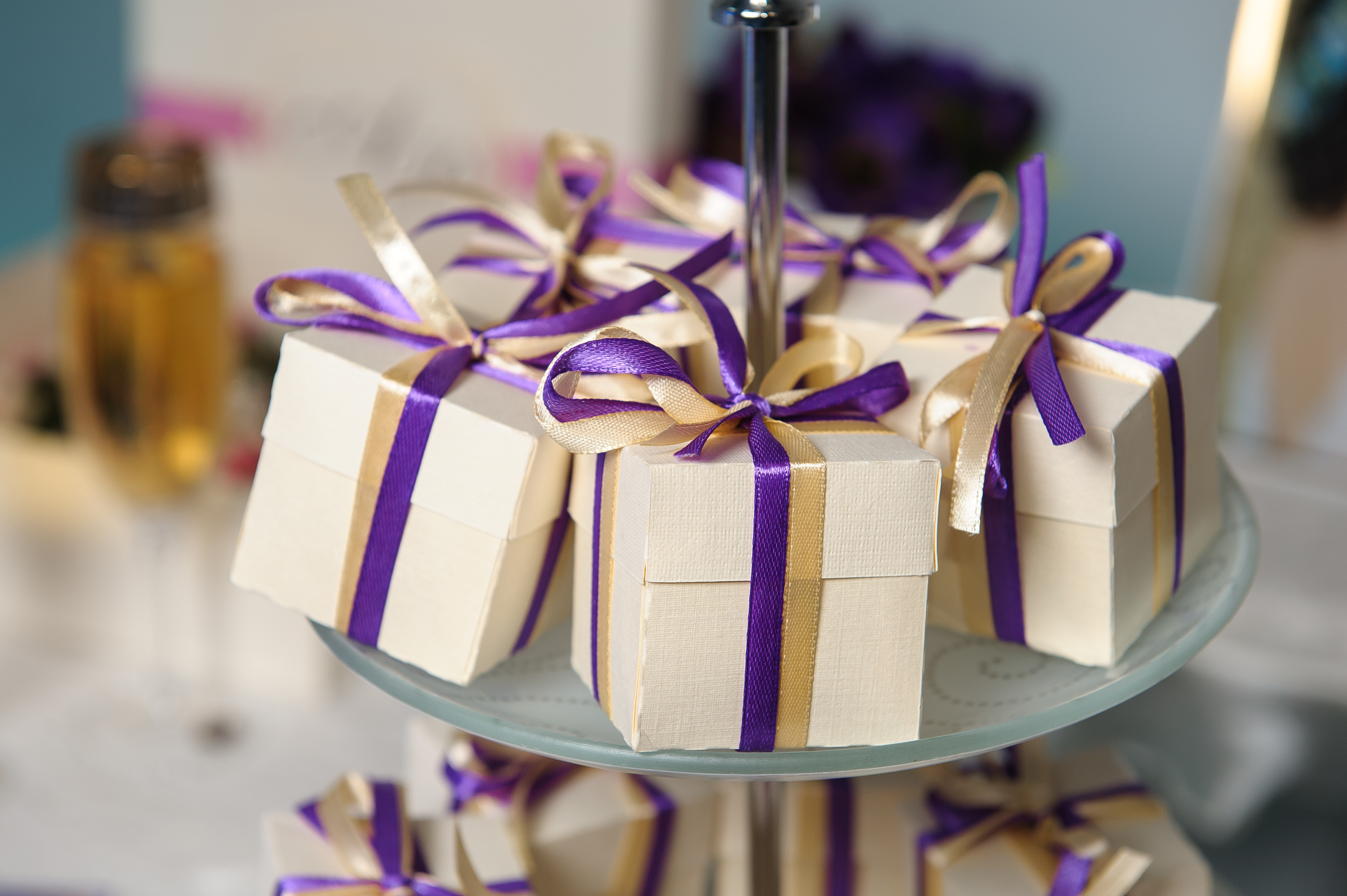blog unique wedding favors Wedding favors have been found to date back as early as 16th Century England Love Knots constructed from ribbon and lace were a common gift given to